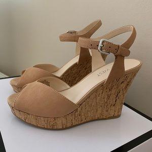 Nine West Wedge Sandal in Natural / Tan Color